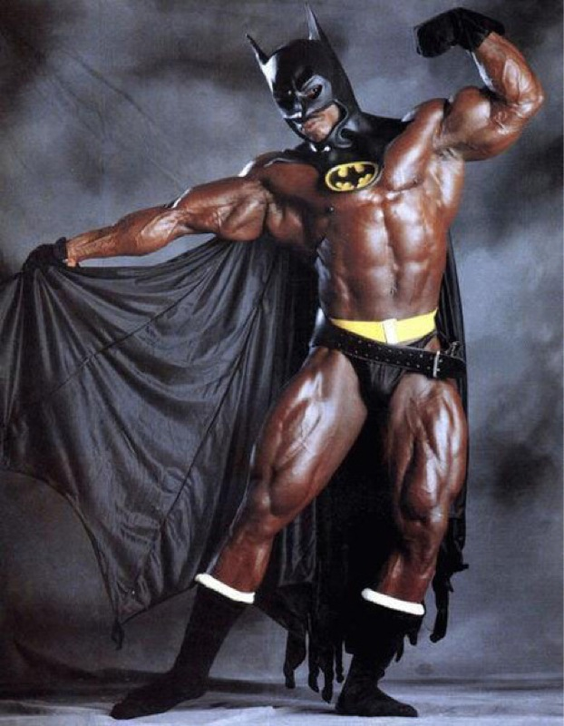 Bodybuilder_batman_costumeblog