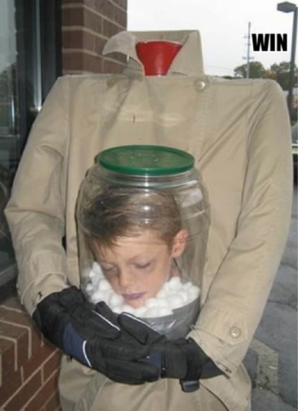 Decapitated_head_in_jar_kids_costum