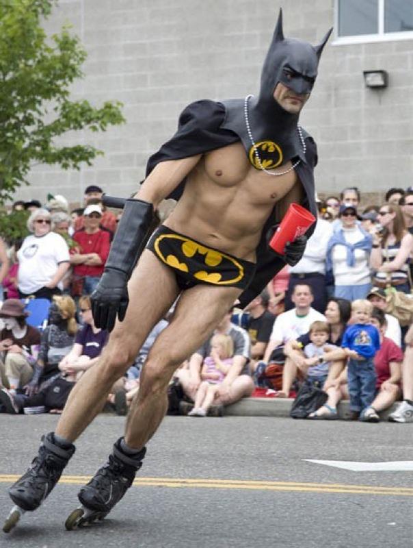 Rollerblades_batman_costumeblog